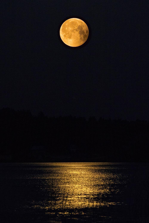 Valokuvaaja Timo Ahola - Luonto - Moon bridge, moonlight, kuunsilta, kuutamo. (c) Valokuvaaja Timo Ahola